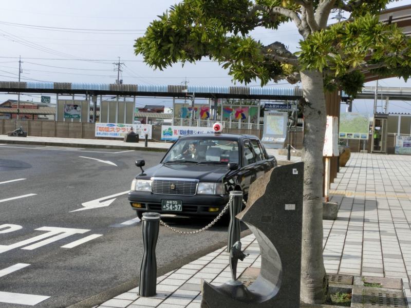 駅前のタクシー