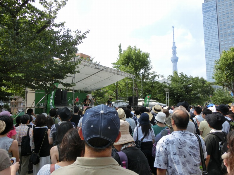 錦糸公園のステージ