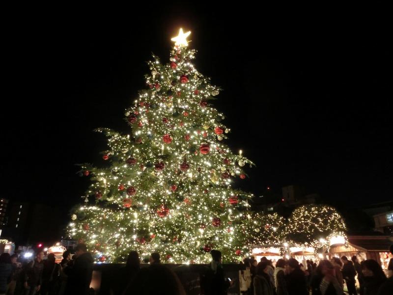 ガーデンプレイスのクリスマスツリー